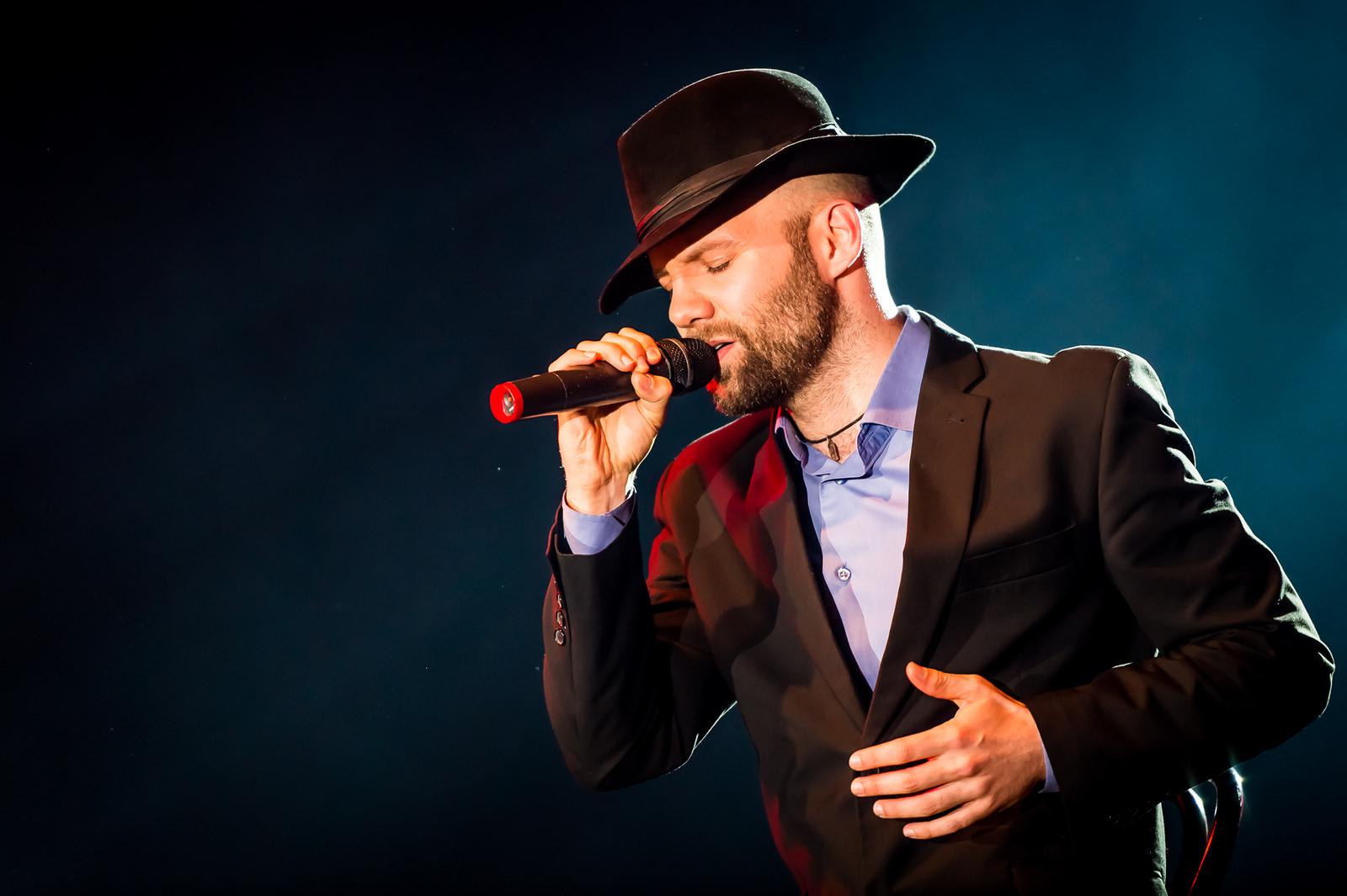Człowiek z mikrofonem - organizacja występów Relago